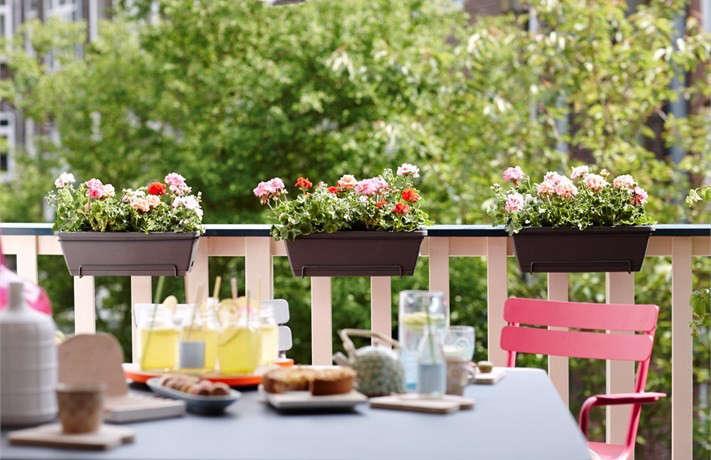 elho-barcelona-balcony-planter-window-box-gardenista
