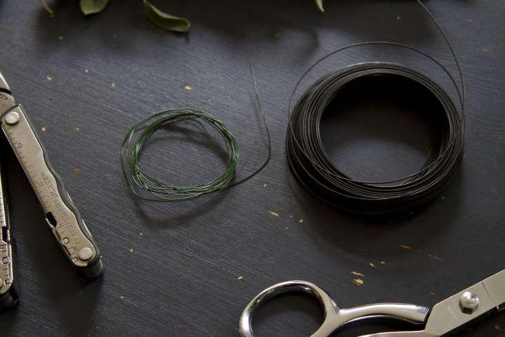 eucalyptus-and-sage-wreath-erin-boyle-gardenista-3