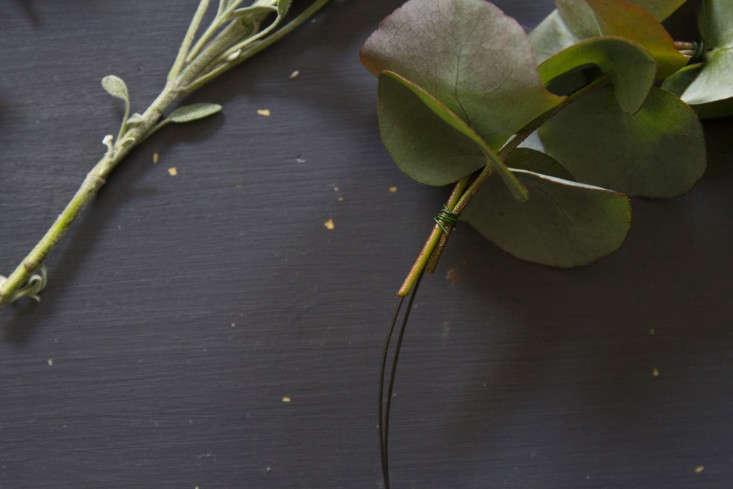 eucalyptus-and-sage-wreath-erin-boyle-gardenista-6