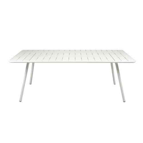 fermob-luxembourg-rectangle-table-gardenista