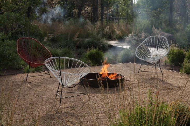fire-pit-capri-hotel-marfa-texas-gardenista