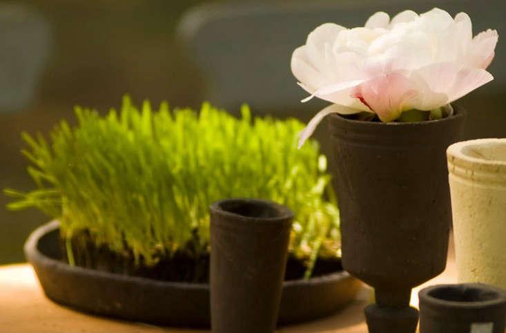 flo-ceramics-terra-cotta-pots-planters-gardenista