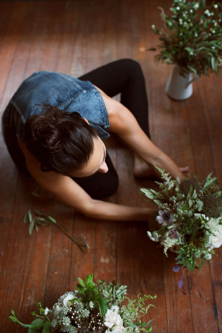floral-arrangements-11-lily-peterson-olivia-rae-james