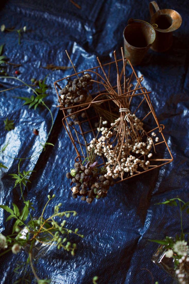 floral-arrangements-3-lily-peterson-olivia-rae-james