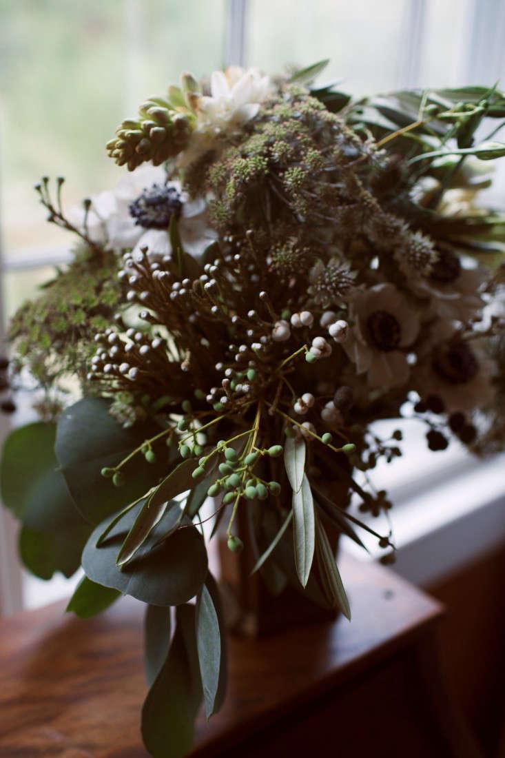 floral-arrangements-5-lily-peterson-olivia-rae-james