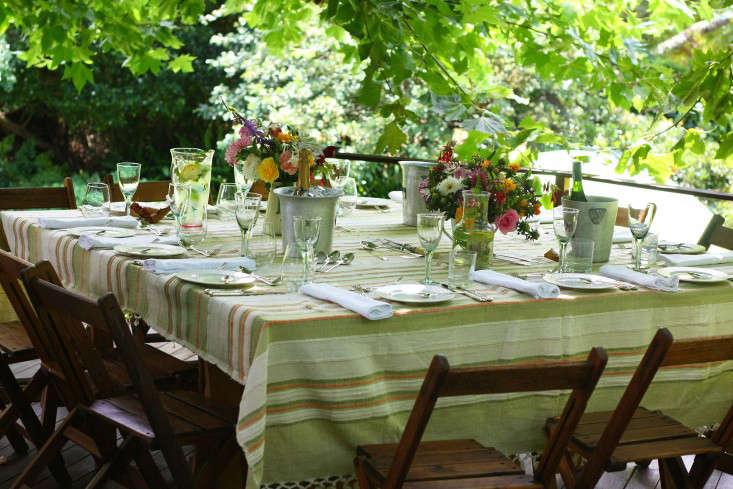 garden-ideas-south-africa-outdoor-dining-marie-viljoen-gardenista-beattheheat1