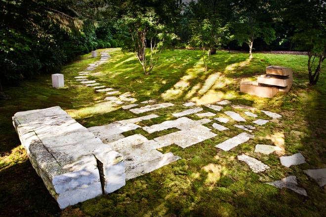 gunn-landscape-architects-bridgehampton-project-with-stone-and-grass-gardenista