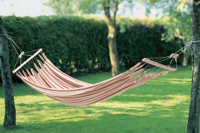10 Easy Pieces Nap Worthy Hammocks Gardenista