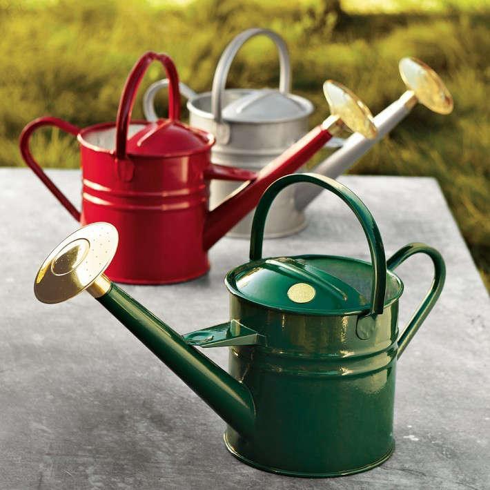 10 Easy Pieces Chimineas Gardenista: 10 Easy Pieces: Garden Watering Cans: Gardenista