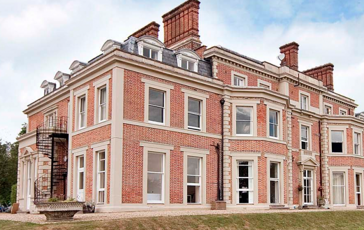 heckfield-place-facade-hampshire-manor-house-gardenista