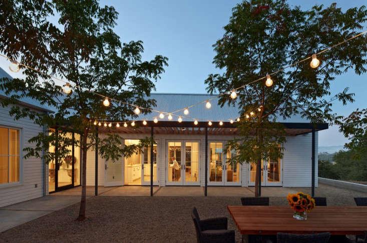 holiday-lights-healdsburg-nick-noyes-gardenista