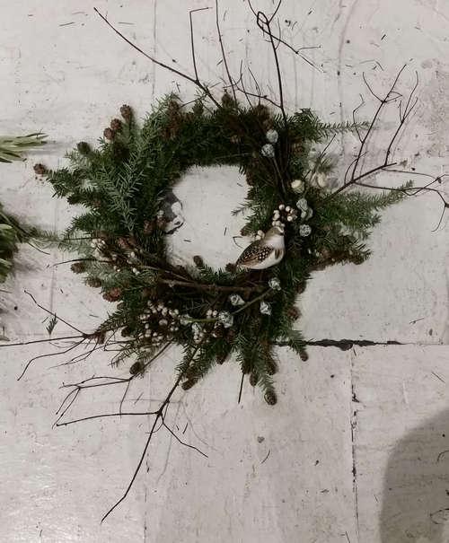 holiday-wreath-workshop-2015-gardenista