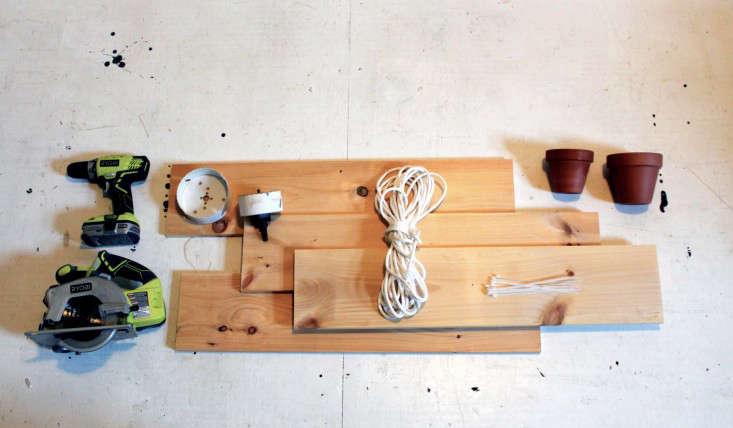 homemade-modern-diy-plant-shelves-gardenista-10