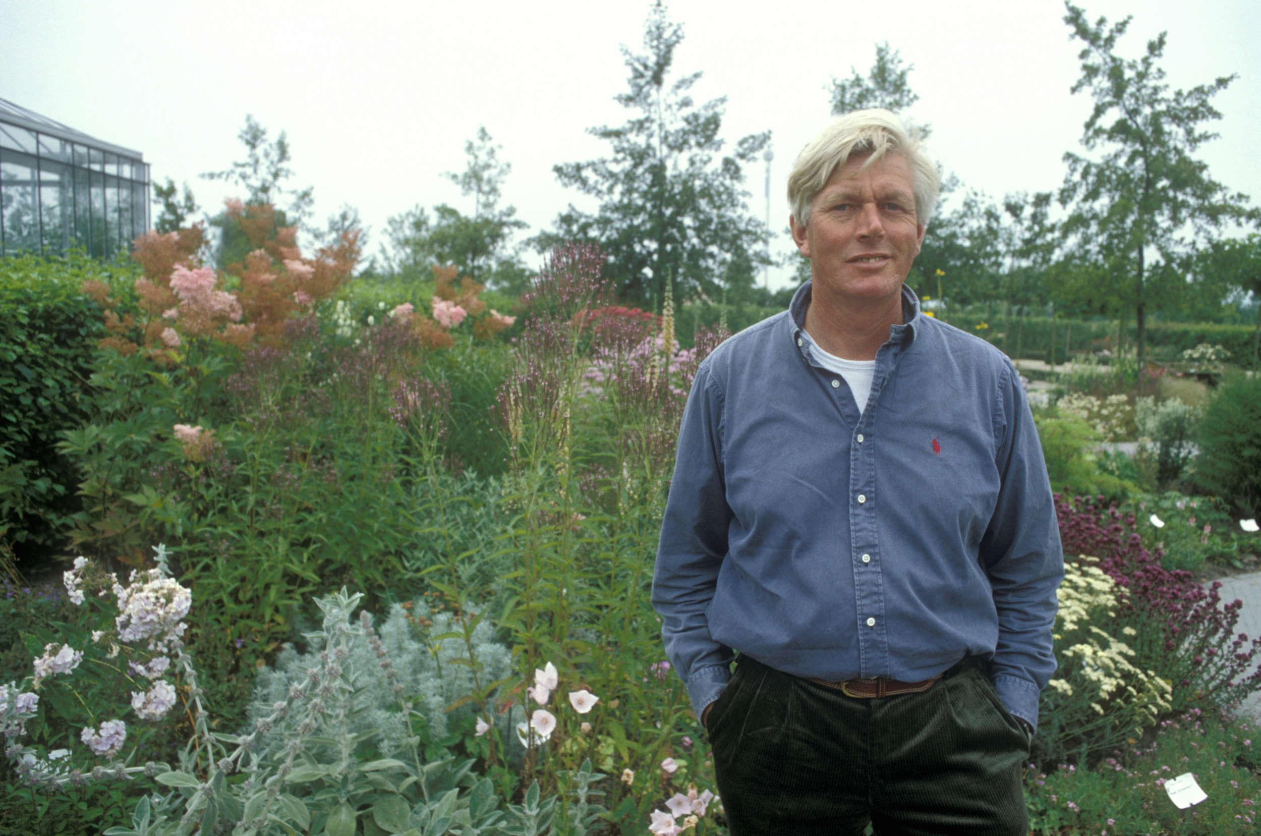 10 garden ideas to steal from superstar dutch designer for Kingsbury garden designs