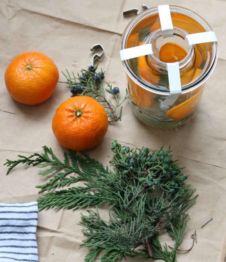 ice-lanterns-12-erin-boyle-gardenista