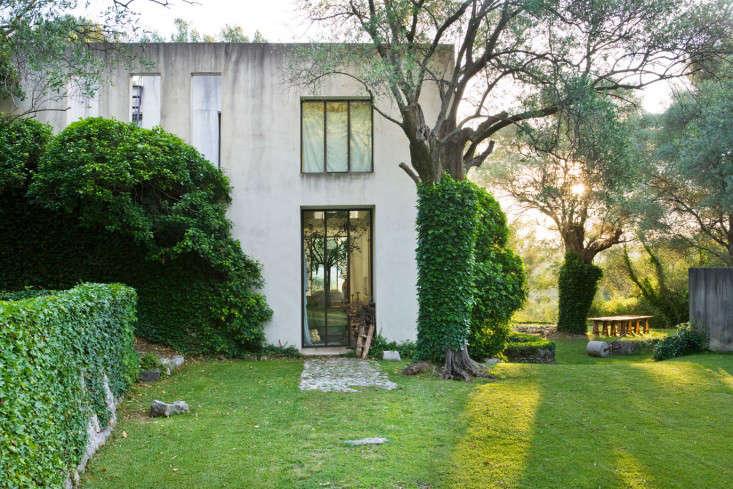 j-morabito-design-house-photo-clive-nichols