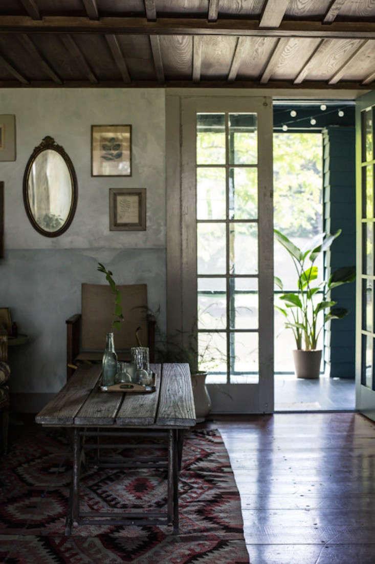 jersey-ice-cream-view-of-screened-porch-gardenista