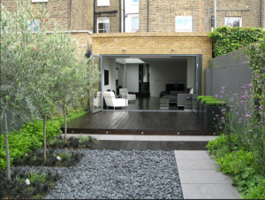 jet-black-garden-london-townhouse-backyard-gardenista-after.png
