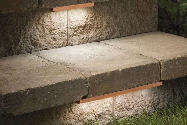 kichler-hardscape-lighting-stair-tread