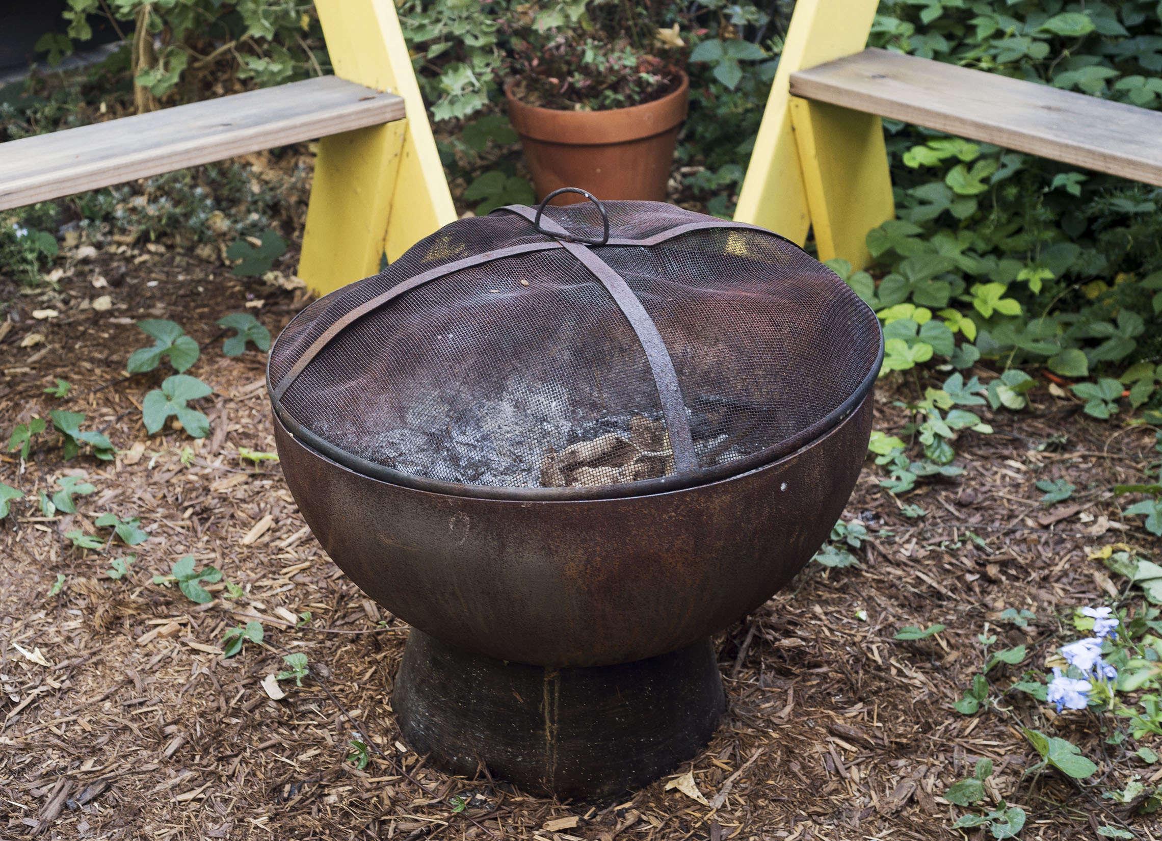 klein-garden-mission-san-francisco-gardenista-fire-pit