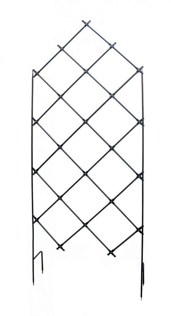 Achla designs free standing lattice trellis gardenista for Free standing garden trellis designs