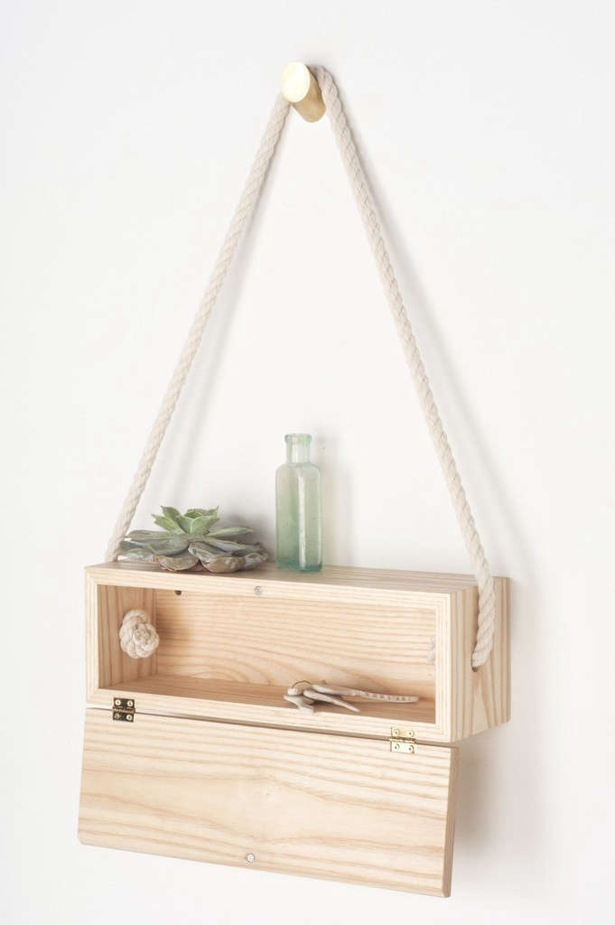 light-and-ladder-hanging-box