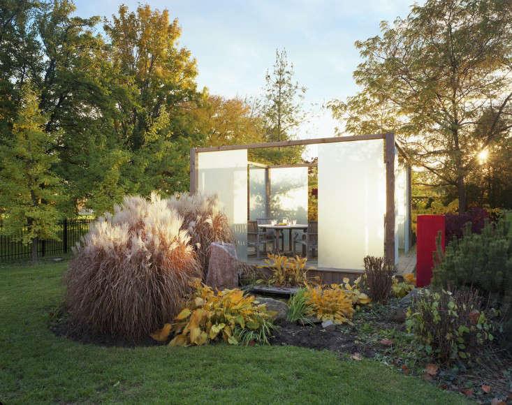 lighting-the-way-5-joel-loblaw-gardenista-1375