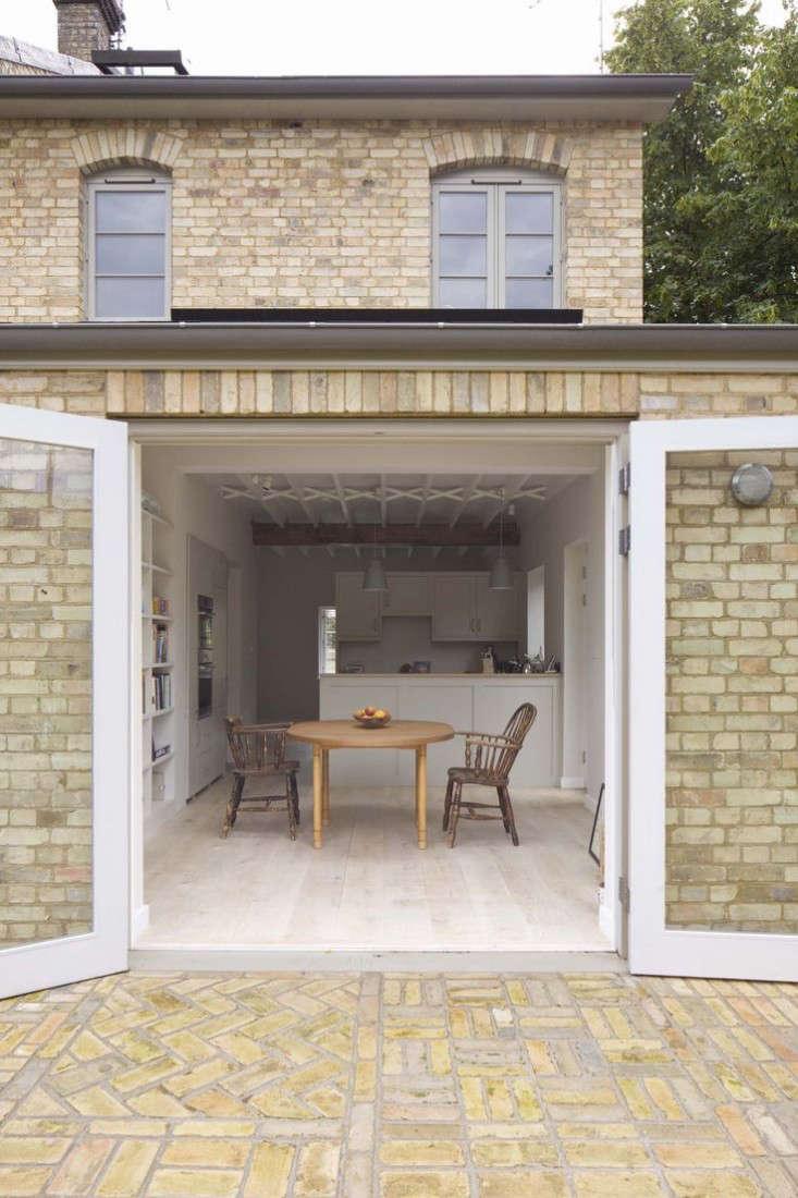 london-edible-garden-front-yard-dorset-sam-tisdall-4-gardenista