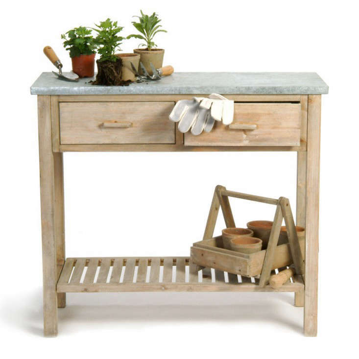 Small Potting Bench: Gardenista