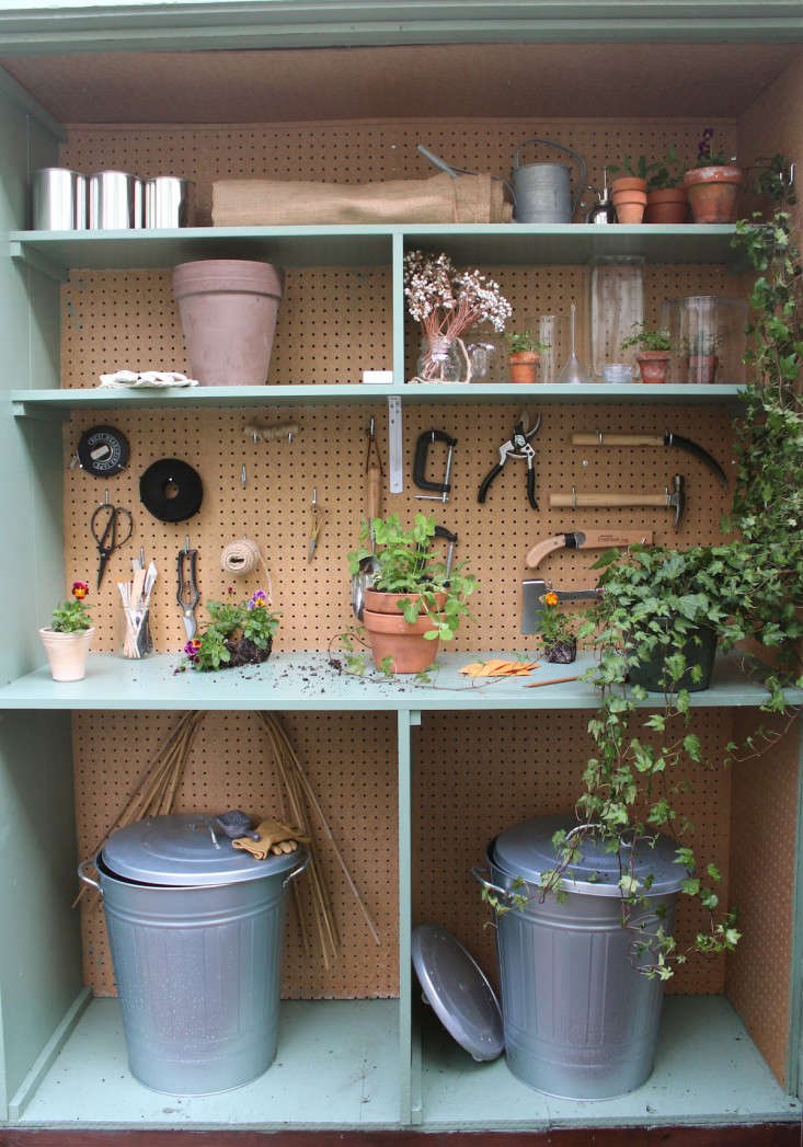 michelle-slatalla-potting-shed-gardenista-16