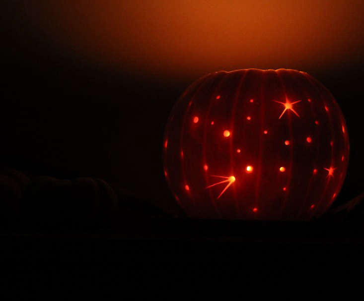 milky-way-pumpkin-lit