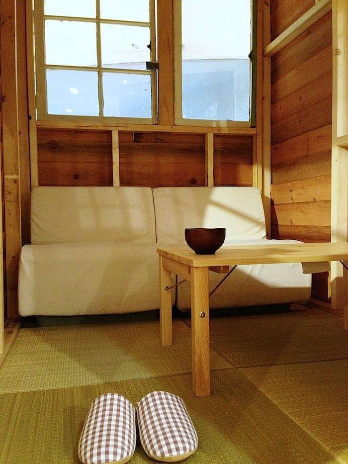 mobile-garden-house-interior-slippers