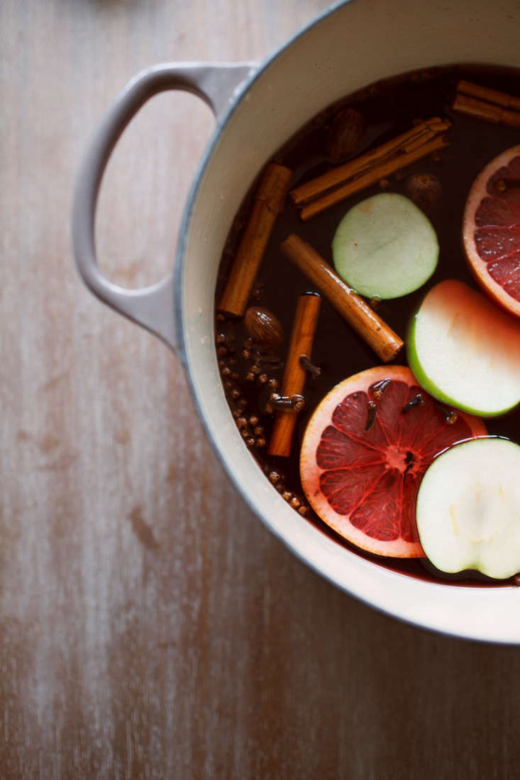 mulled-apple-cider-7-olivia-rae-james-gardenista
