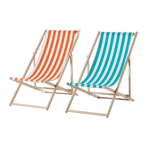 10 easy pieces folding deck chairs gardenista. Black Bedroom Furniture Sets. Home Design Ideas