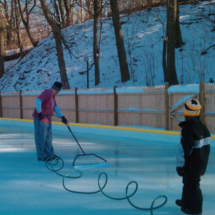 NiceIce Backyard Ice Rink Resurfacer: Gardenista