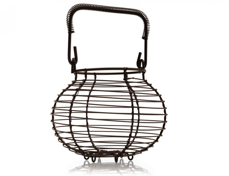nutley-wire-garlic-basket-gardenista