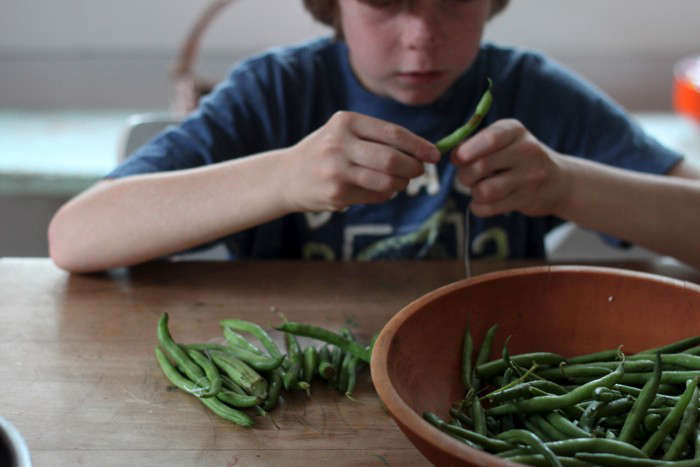 oliver stringing green beans