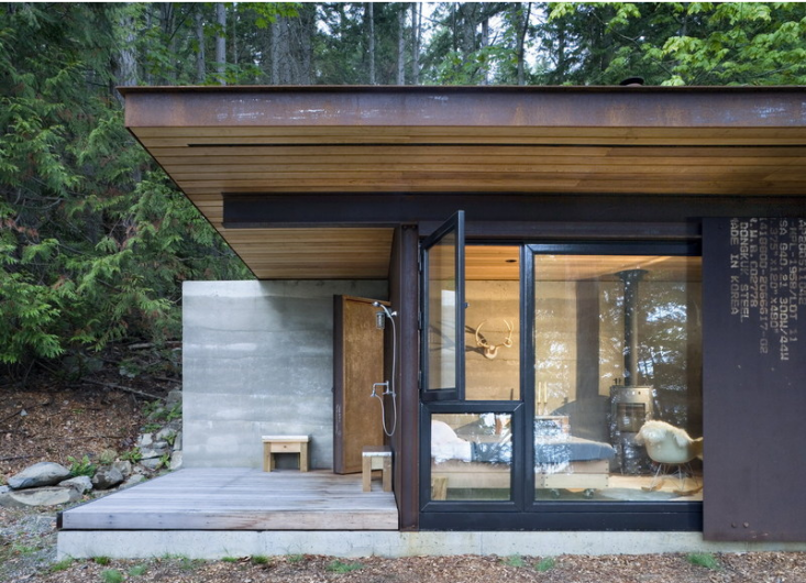 olson-kundig-one-room-cabin-outbuilding-1-gardenista