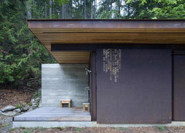 olson-kundig-one-room-cabin-outbuilding-3-gardenista