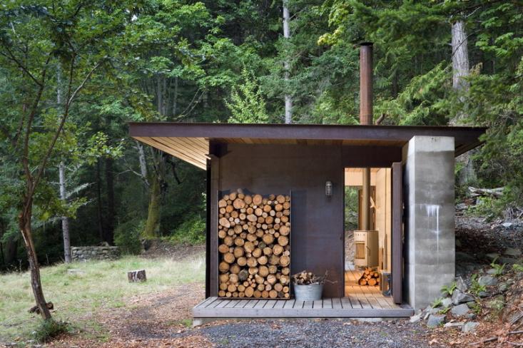 olson-kundig-one-room-cabin-outbuilding-gardenista