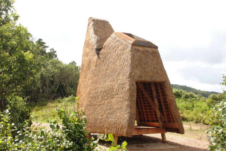 outbuilding-furry-hut-6
