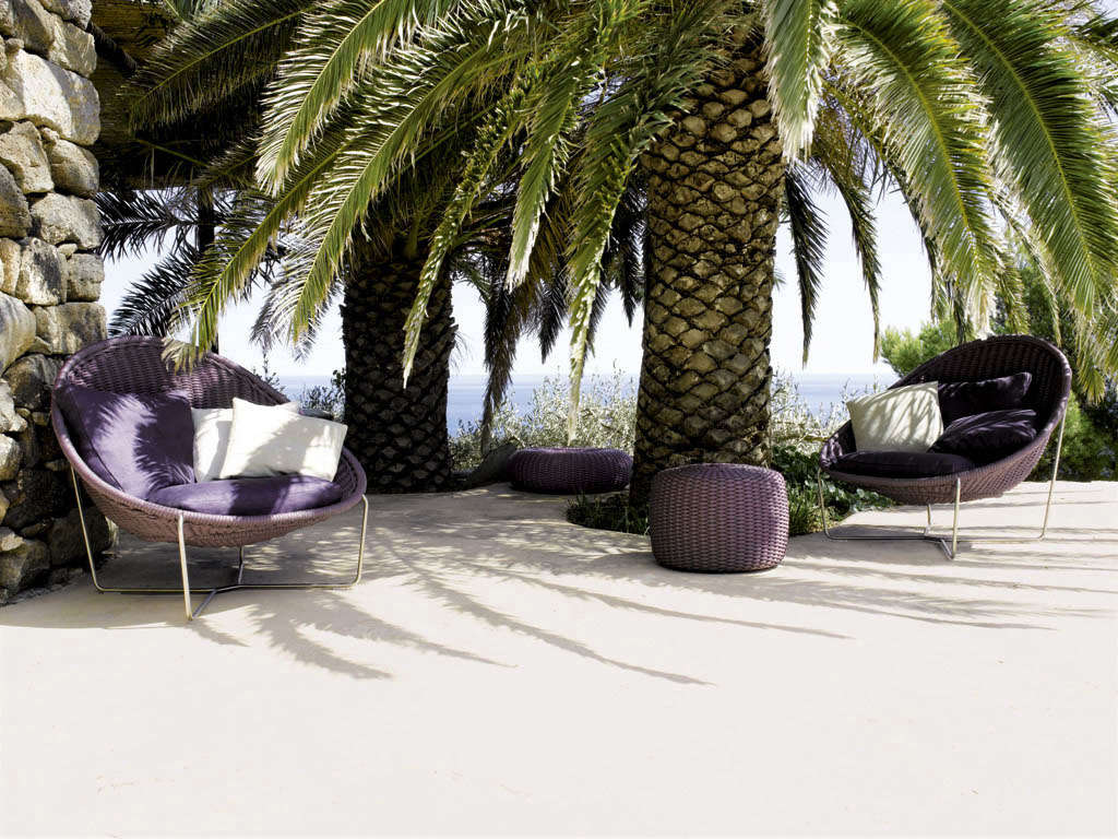made in milan outdoor furniture from paola lenti gardenista. Black Bedroom Furniture Sets. Home Design Ideas
