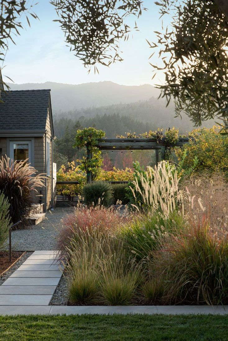Dream landscapes 10 perennial gardens inspired by piet for Garden plans with grasses