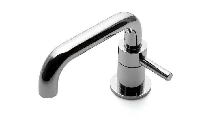 perfect-powder-room-_metal-faucet-waterworks