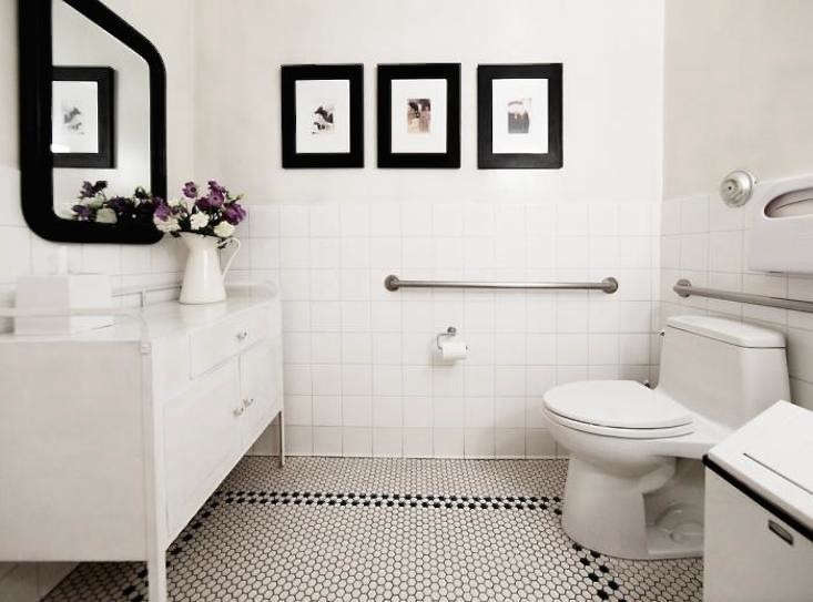 perfect-powder-room-purple-flowers-pitcher-gardenista