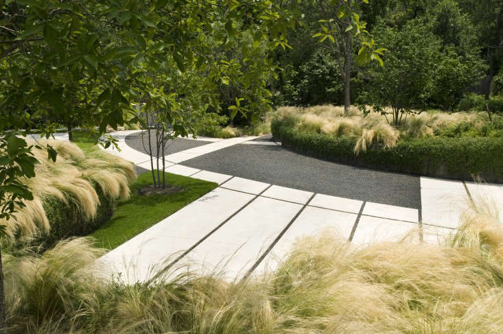 permeable-drive-and-retaining-wall-christine-ten-eyck-gardenista