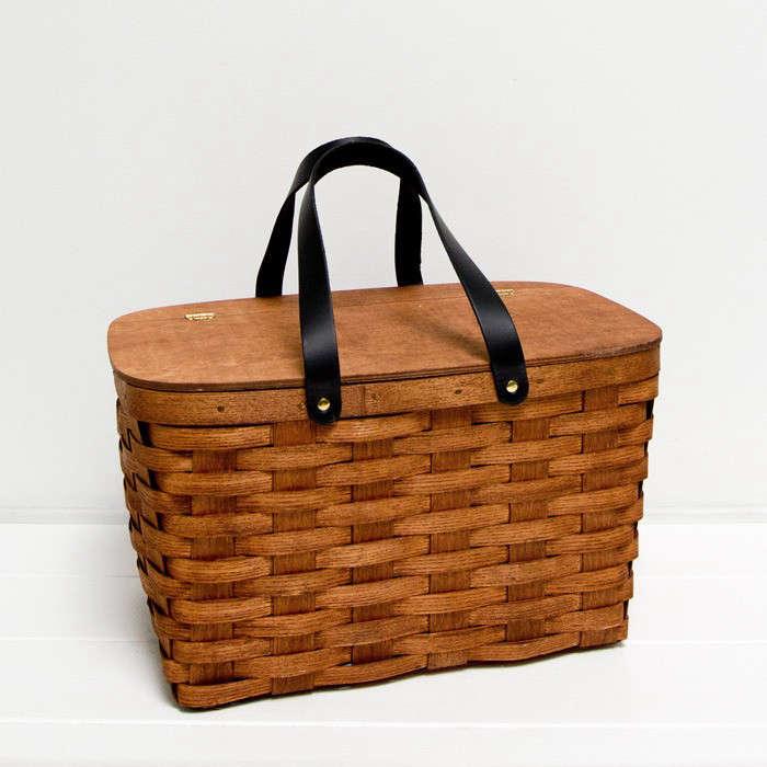 picnicbasket-asunnyafternoon-1-Gardenista