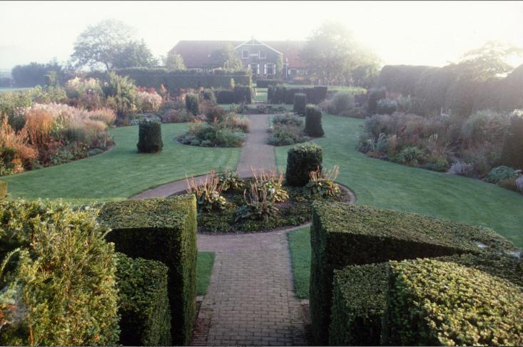 piet-oudolf-hummelo-house-gardens-gardenista