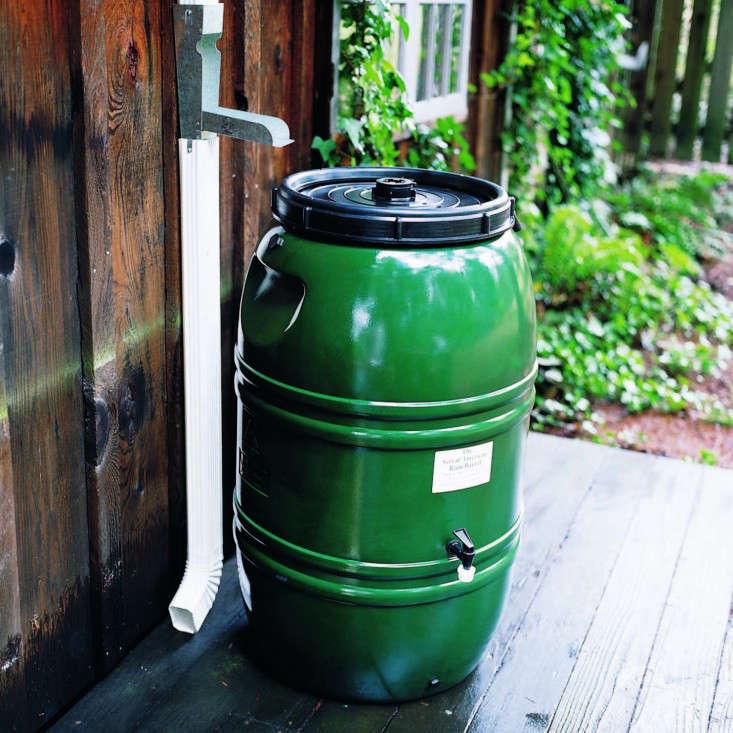 plastic-rain-barrel