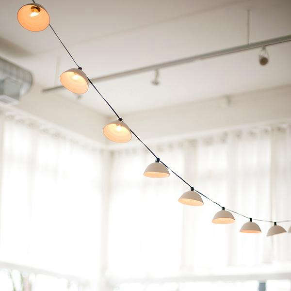 Long String Lights Indoor : 10 Easy Pieces: Cafe-Style Outdoor String Lights: Gardenista